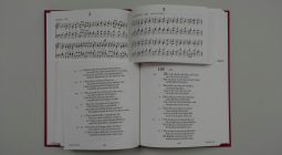 Split Page Book, Singing Book